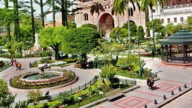 parque calderon hotel otorongo